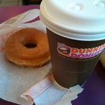 Photo taken at Dunkin donuts by Edin on 8/1/2014