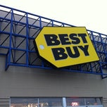 Photo taken at Best Buy by Andrew P. on 12/29/2010