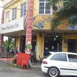 Photo taken at Nasi Kukus Paka 24 Jam by Syamsuddin G. on 2/11/2013