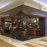 Photo taken at Starbucks by Ekkapong T. on 2/11/2013