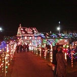 Photo taken at Koziar's Christmas Village by Zebulon B. on 12/12/2012