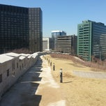 Photo taken at 서울성곽 남산 (Seoul Namsan Fortress Wall Trail) by Steven K. on 3/11/2013