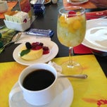 Photo taken at Restaurante La Huerta Café by Silvia S. on 3/28/2013