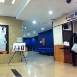Photo taken at 충무아트홀 소극장블루 by 주희 정. on 12/19/2012