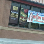 Photo taken at Wendy's by Reggie H. on 9/1/2013