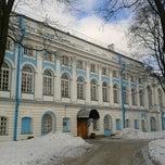 Photo taken at Факультет международных отношений СПбГУ (School of International Relations SPBU) by Oleg C. on 2/24/2013