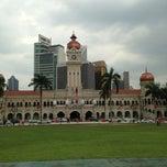 Photo taken at Bangunan Sultan Abdul Samad by Yong Wee J. on 1/17/2013