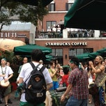 Photo taken at 星巴克 | Starbucks by Mike R. on 6/22/2013