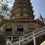Photo taken at วัดถ้ำเขาน้อย (Wat Tham Kao Noi) by Shinshin L. on 1/25/2015