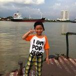 Photo taken at ท่าเรือราษฎร์บูรณะ (บิ๊กซี) Ratburana (Big C) Pier S4 by TorTI P. on 10/20/2014