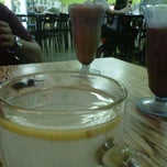 Photo taken at Restoran Ulam Desa by Hannah R. on 1/18/2013