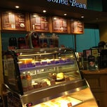 Photo taken at The Coffee Bean & Tea Leaf by Angie L. on 10/19/2012