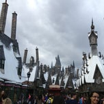 Photo taken at The Wizarding World Of Harry Potter - Hogsmeade by Andrew R. on 1/21/2013