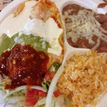 Photo taken at Tacos de Acapulco by Eva on 11/12/2014