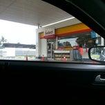 Photo taken at Shell Jalan Sg Buloh, Subang Permai, Shah Alam by PeaceVaganza on 2/8/2013