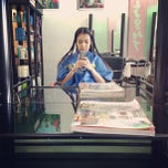 Photo taken at T-hilight Salon @ Prachachuen by Woralak S. on 9/22/2013