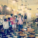 Photo taken at Beth Marie's Old Fashioned Ice Cream & Soda Fountain by Eboni S. on 5/14/2013