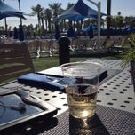 Photo taken at JW Marriott Oasis Bar And Grille by Aimee F. on 1/10/2014