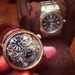 Photo prise au Audemars Piguet Boutique par HODINKEE .. le6/19/2013
