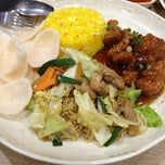 Photo taken at Chowking by Helen G. on 3/17/2013