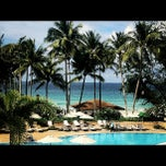 Photo taken at Le Meridien Beach Resort by thicharat c. on 10/8/2012