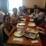 Photo taken at Pizza hut by Ambrash K. on 6/19/2013