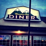 Photo taken at Mountain View Diner by Fox F. on 9/26/2013