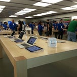 Photo taken at Apple Store, Dadeland by Appe J. on 4/14/2013