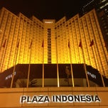 Photo taken at Plaza Indonesia by Haliza on 5/21/2013