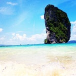 Photo taken at เกาะปอดะ (Poda Island) by Pramote T. on 10/6/2012
