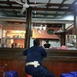 Photo taken at Warung Wayang Wong (Nasi Gandul & Wedang Ronde) by sonny w. on 10/30/2012