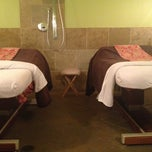 Photo taken at Greenhaus  European Day Spa by Melissa C. on 4/11/2013