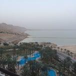 Photo taken at Le Méridien Dead Sea by Родион Р. on 3/7/2014