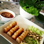 Photo taken at VT แหนมเนือง by Tanapon A. on 10/27/2012