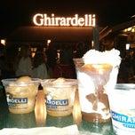 Photo taken at Ghirardelli Soda Fountain & Chocolate Shop by Flávia M. on 4/25/2013