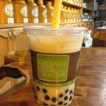 Photo taken at Ten Ren Tea 天仁茗茶 by Vivian Y. on 7/1/2013