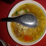 Photo taken at Soto Sore Daging Sapi by Albert A. on 9/10/2013