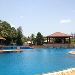 Photo taken at Kenilworth Beach Resort Uttorda by Anant A. on 5/14/2013