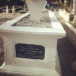 Photo taken at Tanah Perkuburan Makam Lama by Meran V. on 8/8/2013
