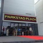 Photo taken at Wok Parkstad Plaza by Terence, Renaldo H. on 4/13/2014