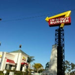 Photo taken at In-N-Out Burger by Buz F. on 1/3/2013
