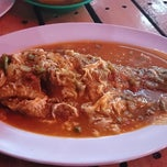 Photo taken at MJ Seafood by Verdi O. on 11/24/2013