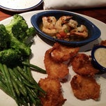 Photo taken at Red Lobster by MshChris on 1/8/2015