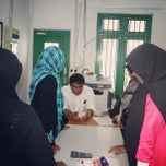 Photo taken at Makunudhoo Madharusa by Ahmed A. on 9/5/2013
