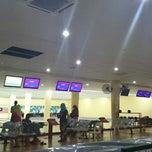 Photo taken at Pengkalan Hulu Superbowl by Iman H. on 6/11/2014