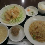 Photo taken at 華正樓 新横浜店 by ひびきら 1. on 8/30/2014