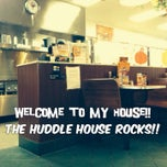 Photo taken at Huddle House by Wesley W. on 11/5/2013