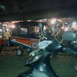 Photo taken at Pasar INPRES Senen by Dwi kurniawan on 11/10/2012
