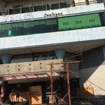 Photo taken at Vida 777 by Andri R. on 6/1/2014