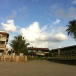 Photo taken at Lanta All Seasons Beach Resort by iPünch on 10/27/2011